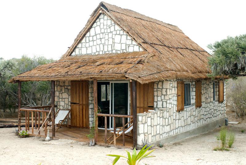 Valahantsaka resort bungalow for Piccolo bungalow artigiano